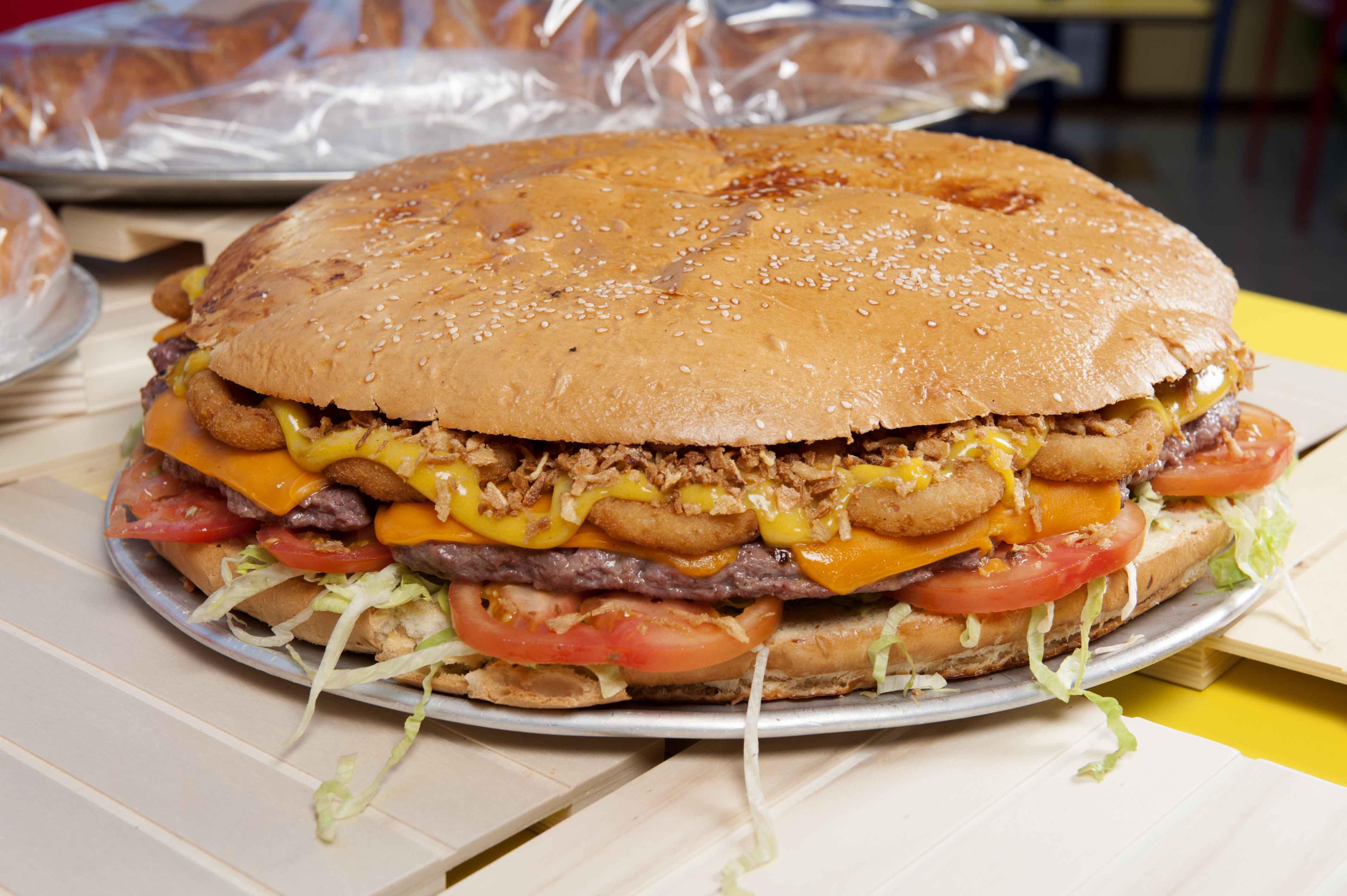 Crónicas carnívoras - hamburguesas gigantes